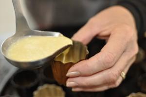remplir les moules a 1 cm du bord